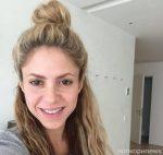 Шакира показала поклонникам свою внешность без макияжа