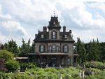 В «Доме спривидениями» парижского Диснейленда отыскали труп мужчины